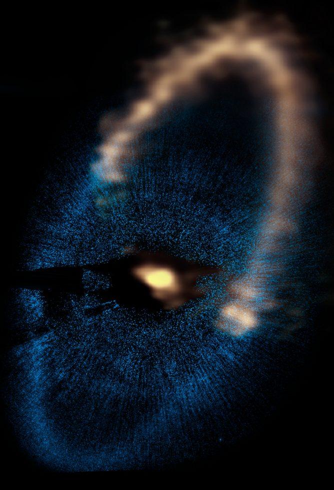 フォーマルハウトの周囲の細い塵の環