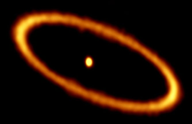 ALMA image of the debris disk in the Fomalhaut star system