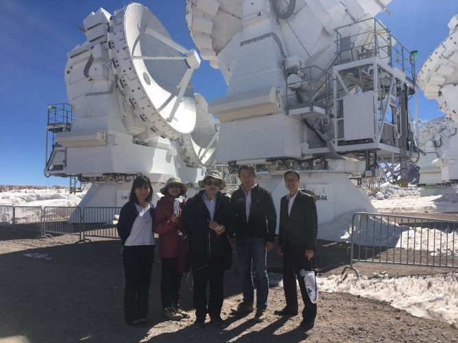 平石好伸 在チリ日本大使のアルマ望遠鏡施設訪問