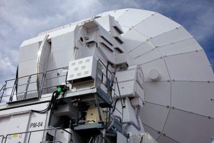 アルマ望遠鏡日本製12mアンテナの後ろ姿