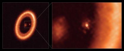 若い星PDS 70の周囲の原始惑星系円盤(クローズアップ)