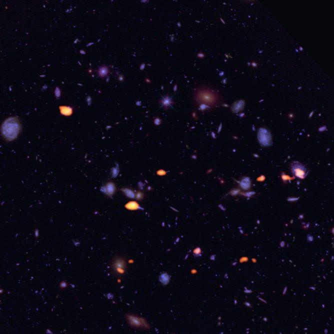 アルマ望遠鏡とハッブル宇宙望遠鏡で見たハッブル・ウルトラディープフィールド