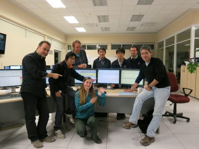 Successful Interferometer Test with Japanese Band 10 Receiver—Birth of Highest Frequency Radio Interferometer