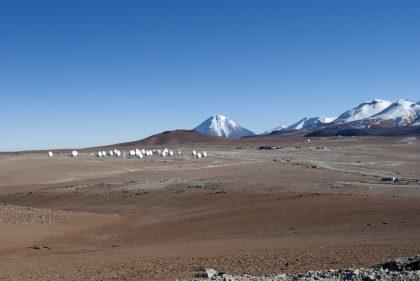 山頂施設に並ぶ33台のアンテナ(1)