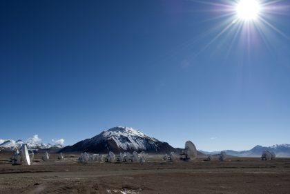山頂施設に並ぶ33台のアンテナ(2)