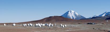 山頂施設に並ぶ33台のアンテナ(3)