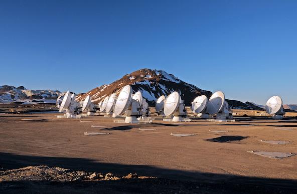 アルマ望遠鏡、ついに開眼! - 初めての科学観測を開始 -